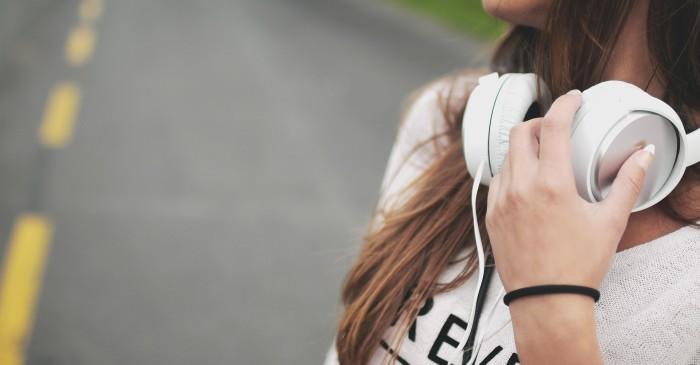teen listening to audiobooks